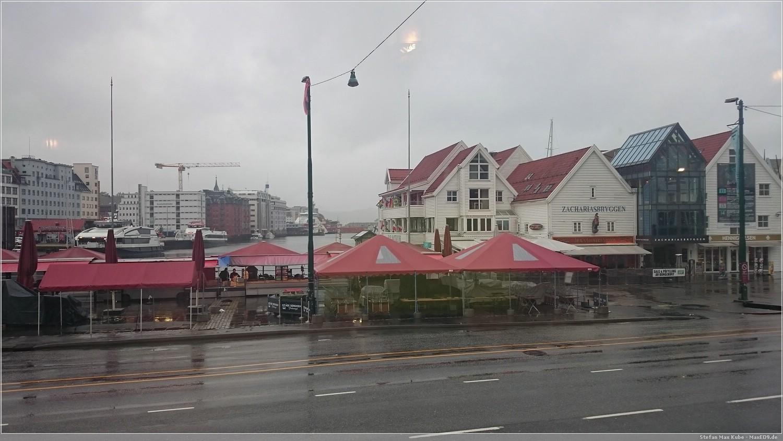 Fløibanen, Talstation der Bergbahn