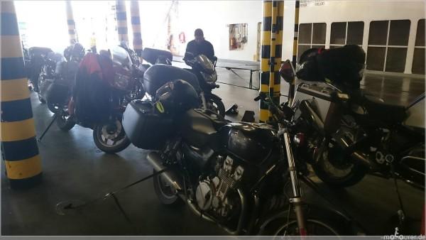 fähre motorrad verzurren