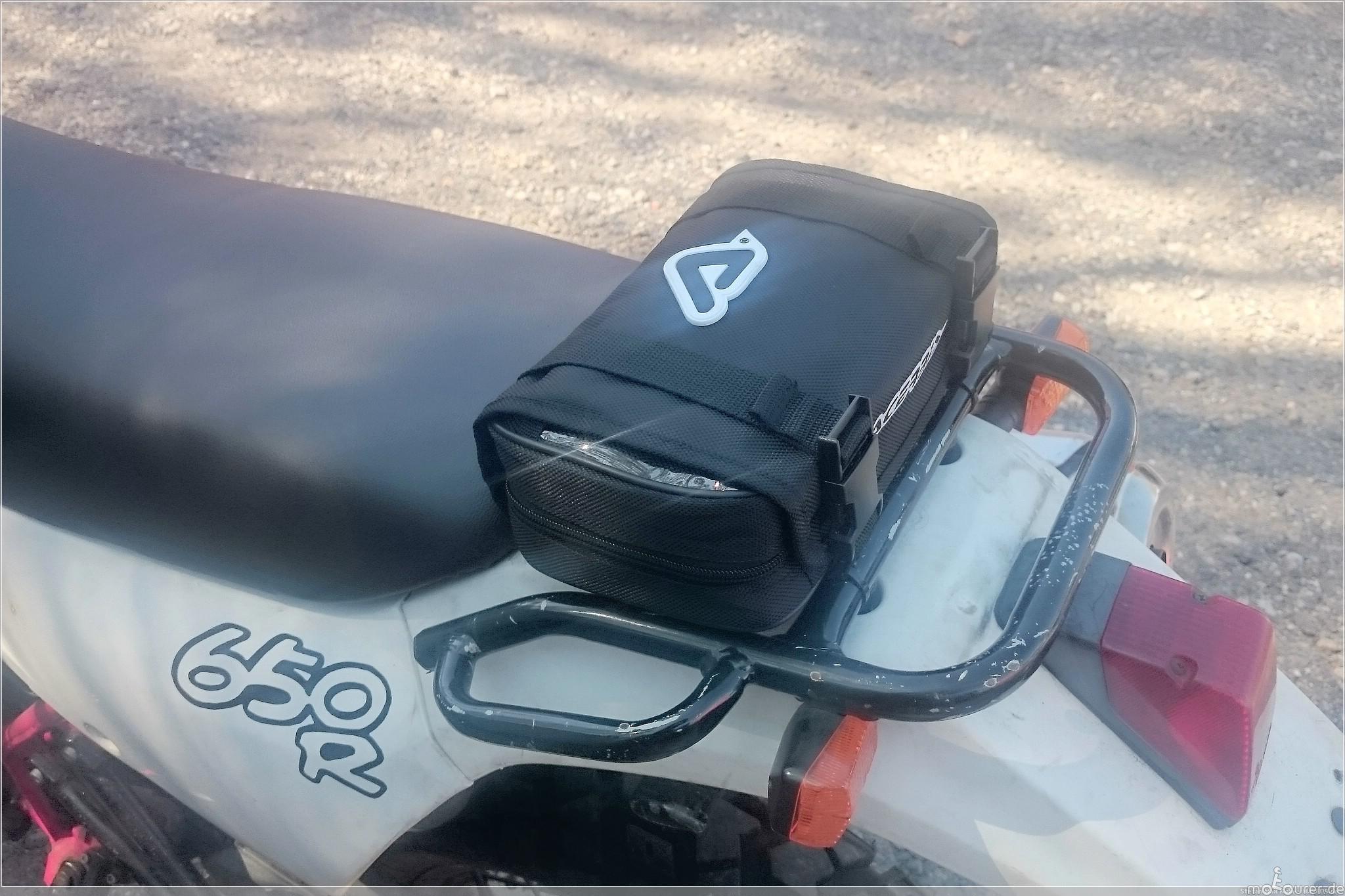 Acerbis Werkzeugtasche montiert
