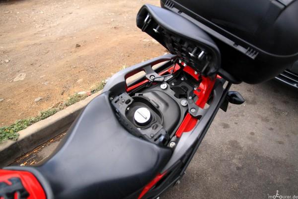 Tankdeckel unter dem Sitz Honda NC700X